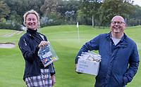 HALFWEG - Astrid van Heumen en Ruud Teeuwen van de Jeugdcommissie.  . jeugdgolf   op de Amsterdamse Golf Club.    COPYRIGHT KOEN SUYK