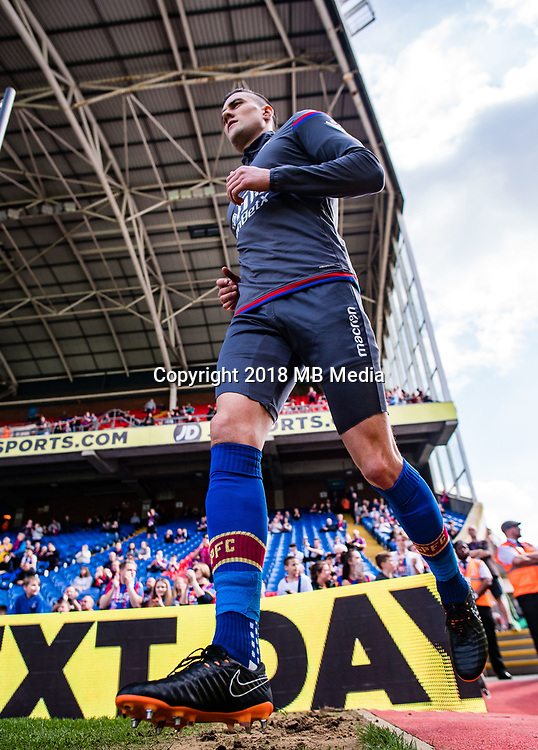 LONDON, ENGLAND - APRIL 14: Martin Kelly (34) of Crystal Palace during the Premier League match between Crystal Palace and Brighton and Hove Albion at Selhurst Park on April 14, 2018 in London, England. (Photo by MB Media/Getty Images)