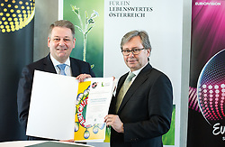 16.02.2015, TUtheSky, Wien, AUT, Pressekonferenz des Lebensmiisteriums und ORF mit dem Titel: Eurovision Song Contest erstmals als Green Event, im Bild v.l.n.r. Bundesminister für Land- und Forstwirtschaft, Umwelt und Wasserwirtschaft Andrä Rupprechter (ÖVP) und ORF Generaldirektor Alexander Wrabetz // f.l.t.r. Minister of Agriculture Andrae Rupprechter (OeVP) and director general of the Austrian Broadcasting Corporation (ORF) Alexander Wrabetz during press conference of the Austrian Broadcasting Corporation and Ministry of Agriculture, Forestry, Environment and Water Management according to Eurovision Song Contest fist time as a Green Event at TUtheSky in Vienna, Austria on 2015/02/16, EXPA Pictures © 2015, PhotoCredit: EXPA/ Michael Gruber