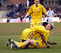 Photo: Daniel Hambury.<br />Brighton & Hove Albion v Leicester City. Coca Cola Championship. 11/02/2006.<br />Leicester's Iain Hume celebrates his goal with team mates.