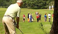 HILVERSUM - Viering 100 jaar Hilversumsche Golfclub met de titel 'Once in a Livetime' was van ieder Nederlandse golfclub een voorzitter of ander bestuurlid uitgenodigd. Er waren 165 deelnemers voor  de wedstrijd. Op hole 14 stond een plastic speelgoedauto voor de hole in one. . Een muziekband liep door de baan. Voorzitter is Age Fluitman. COPYRIGHT KOEN SUYK