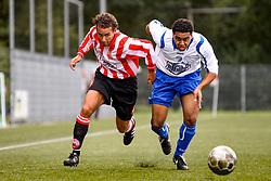 06-09-2009: Voetbal: Alphense Boys v Leonidas: Alphen aan den Rijn<br /> <br /> Het bijzondere aan deze foto is dat deze een flink aantal jaren geleden gemaakt is met wat mindere aparatuur. De compostitie, de scherpte maar vooral de focus van de spelers zorgt er voor dat het een prima plaat is.<br /> <br /> Season 2008-2009