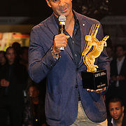 NLD/Amsterdam/20121013- LAF Fair 2012 VIP Night, Ruud Gullit met prijs