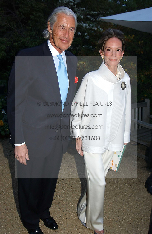 MARTIN & ANNE SUMMERS at the Cartier Chelsea Flower Show dinat the annual Cartier Flower Show Diner held at The Physics Garden, Chelsea, London on 23rd May 2005.<br /><br />NON EXCLUSIVE - WORLD RIGHTS
