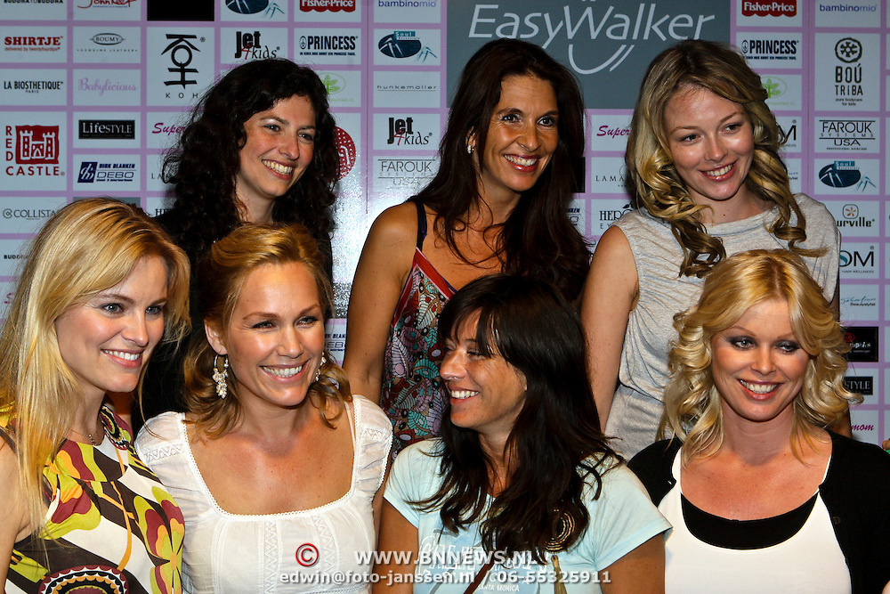NLD/Amsterdam/20080508 - Mom's Moment voor zwangere vrouwen, Bridget Maasland, Susan Blokhuis, Femmetje de Wind, Tanja Jess, Marit van Bohemen, Amanda Krabbe, Renate Verbaan