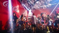 Convidados aproveitam o espaço da Coca-Cola  durante a 22ª edição do Planeta Atlântida. O maior festival de música do Sul do Brasil ocorre nos dias 3 e 4 de fevereiro, na SABA, na praia de Atlântida, no Litoral Norte gaúcho.  Foto: Lucas Uebel / Agência Preview Convidados aproveitam o espaço da Coca-Cola  durante a 22ª edição do Planeta Atlântida. O maior festival de música do Sul do Brasil ocorre nos dias 3 e 4 de fevereiro, na SABA, na praia de Atlântida, no Litoral Norte gaúcho.  Foto: Lucas Uebel / Agência Preview