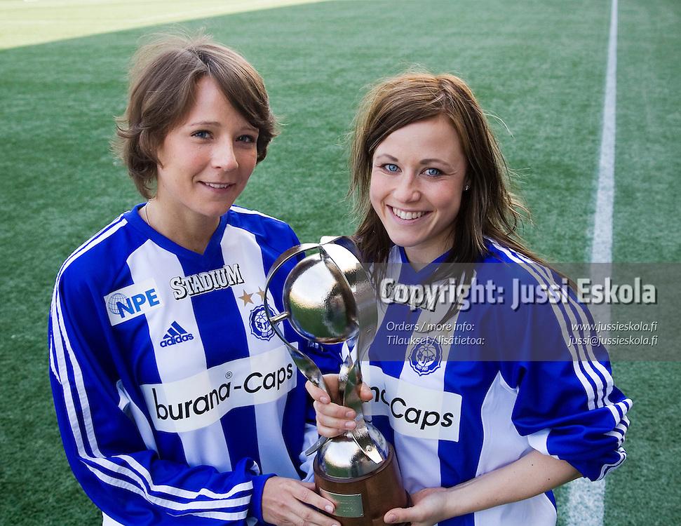 Daniela Tjeder, Jessica Thorn. HJK. Naisten SM-liigan avausinfo, Helsinki 30.3.2007. Photo: Jussi Eskola