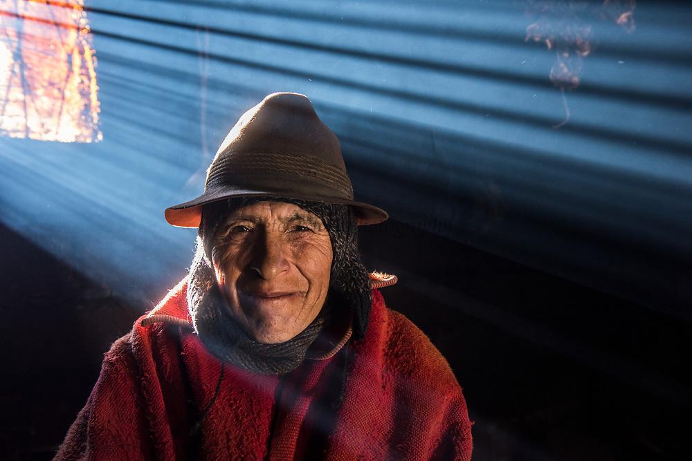 Indian man Pasqual Tacuri in his home<br /> Pulingue San Pablo community<br /> Chimborazo Province<br /> Andes<br /> ECUADOR, South America