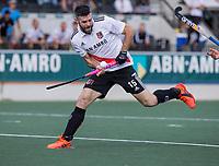 AMSTELVEEN -  Trent Mitton (Amsterdam)   tijdens de hockey hoofdklasse competitiewedstrijd  heren, Amsterdam-HC Tilburg (3-0).  COPYRIGHT KOEN SUYK