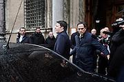 Matteo Renzi esce dal Senato dopo un incontro con i<br /> senatori del Partito riguardo il nuovo sistema elettorale Italicum, Roma 20 gennaio 2015.  Christian Mantuano / OneShot