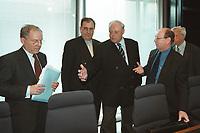 16 MAY 2001, BERLIN/GERMANY:<br /> Dr. Klaus Kohler, Deutsche bank, Dr. Henrik-Michael Ringleb, Krupp-Thyssen, Bernd Reuter, MdB, SPD, Dr. Eckart Suenner, BASF, und Dr. Hans-Viggo von Huelsen, Volkswagen AG, (v.L.n.R.), vor einem Gespraech zwischen Vertretern der Wirtschaft und Abgeordneten des Deutschen Bundestages zur Entschaedigung von Zwangsarbeitern, Deutscher Bundestag<br /> IMAGE: 20010516-02/01-12<br /> KEYWORDS: Eckart Sünner, Hans-Viggo Hülsen, Gespäch, Entschädigung, Stiftungsinitiative der deutschen Wirtschaft