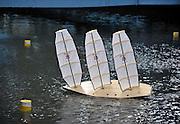 Nederland, Wageningen, 20-01-2012 Ontwerp de snelst varende zeilboot van Nederland. Het Maritiem Research Instituut Nederland, Marin, organiseert een wedstrijd voor modelzeilboten. Studenten van de technische universiteit Delft, TU, en hogeschool Inholland gaan de strijd aan wie het snelste en meest innovatieve zeilschip heeft ontworpen. De wedstrijd vindt plaats in een proefbassin, waar ventilatoren wind produceren.Foto: Flip Franssen