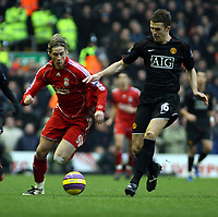 Photo: Mark Stephenson/Sportsbeat Images.<br /> Liverpool v Manchester United. The FA Barclays Premiership. 16/12/2007.Liverpool's Ferando Torres tries to get past Michael Carrick