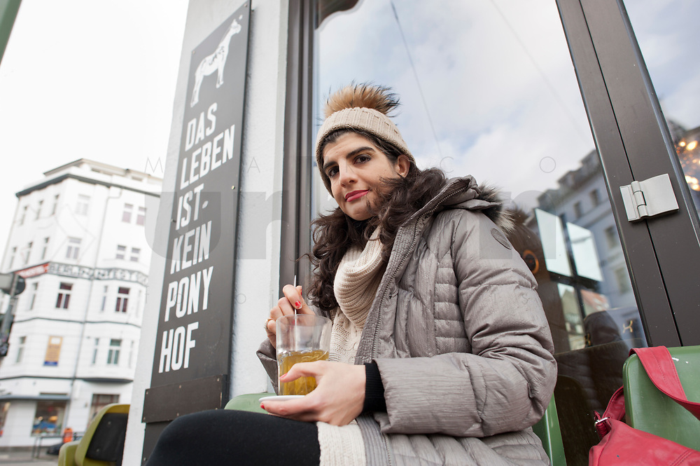 Shermin Voshmgir, Filmemacherin und Gründerin des Start-ups cinovu.com, Cafe Oberholz, 04. Januar 2012