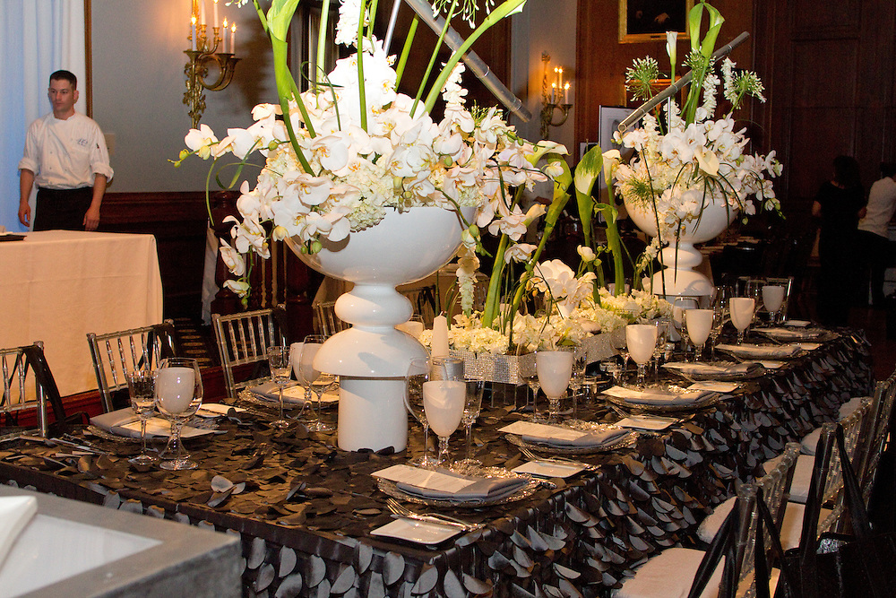 The Union League of Philadelphia Hosts the Chefs for PAWS event.