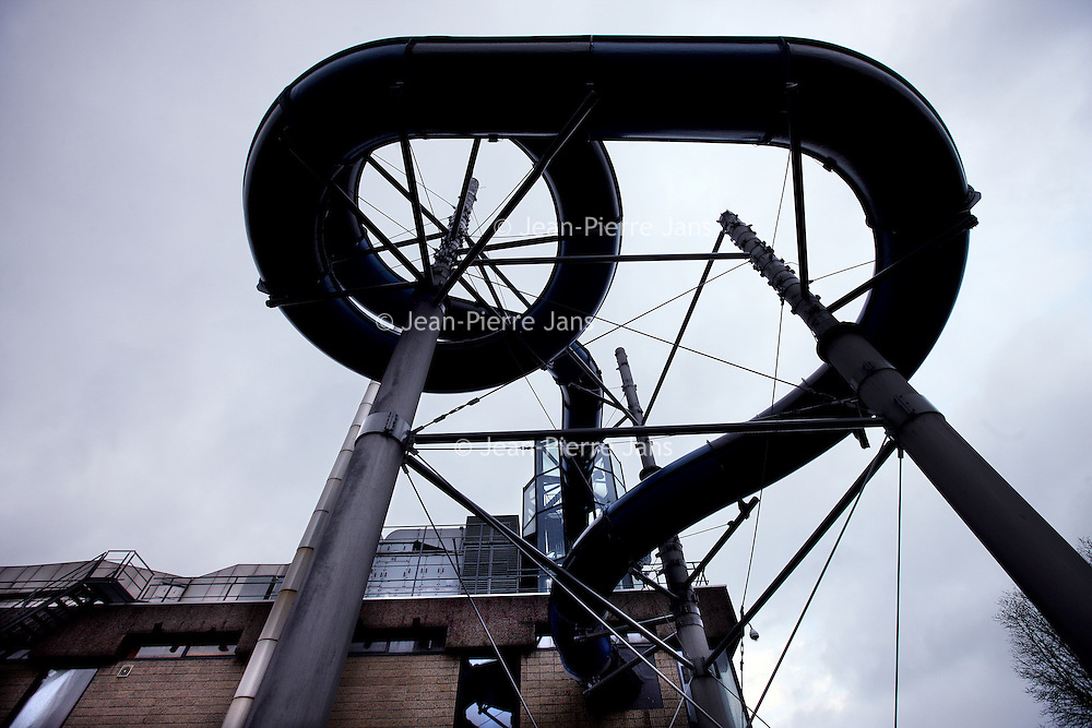 Nederland, Amsterdam , 18 december 2013.<br /> De Mirandabad in Amsterdam Zuid is gerenoveerd.<br /> Foto:Jean-Pierre Jans