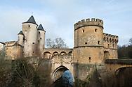 Porte des Allemands, spanning the River Seille in Metz, France. Dating from the 13th–15th century, this is the only surviving Medieval city gate of this once heavily fortified city. © Rudolf Abraham