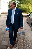 Kruszewo, woj. podlaskie, 08.09.2019. Kampania wyborcza posla POROZUMIENIA Mieczyslawa Baszko. Od lutego, najaktywniejszy na Podlasiu, kandydat w wyborach do Sejmu przejechal Baszkobusem kilkanascie tysiecy kilometrow, odwiedzil kilkaset miejscowosci, wzial udzial w kilkudziesiaciu festynach i dozynkach gminnych, uscisnal reke tysiacom wyborcow N/z Mieczyslaw Baszko odwiedzil takze lokalne Swieto Ogorka gdzie kupil wiaderko kiszonych ogorkow i kapusty od lokalnych producentow fot Michal Kosc / AGENCJA WSCHOD