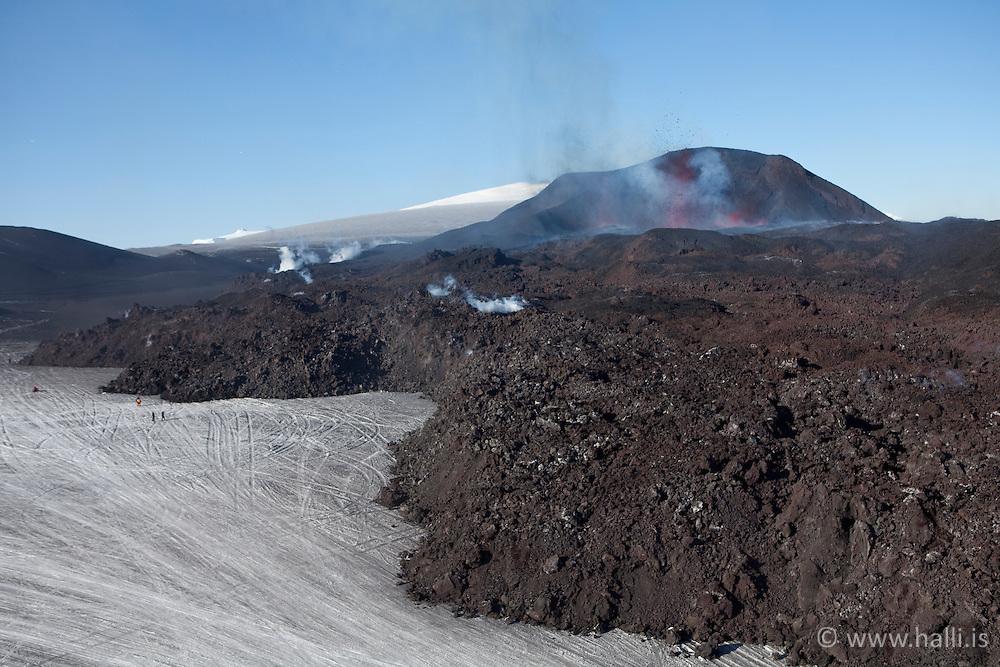 New lava from the volcanic eruption at Fimmvorduhals, in Eyjafjallajokull, Iceland - Nýtt hraun frá eldgosinu á Fimmvörðuhálsi