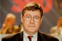 31 JAN 1998, GERMANY/DORTMUND:<br /> Jürgen Büssow, SPD, Mitglied im SPD Landesvorstand Nordrhein-Westfalen, auf dem Landesparteitag der SPD NRW<br /> IMAGE: 19980131-01/02-31<br />   <br />  <br />  <br /> KEYWORDS: Juergen Buessow