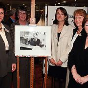 Opening tentoonstelling 100 jaar Vrouw en Arbeid van het Huizer Museum in de Rabobank Huizen