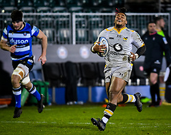 Paolo Odogwu of Wasps is denied a try - Mandatory by-line: Andy Watts/JMP - 08/01/2021 - RUGBY - Recreation Ground - Bath, England - Bath Rugby v Wasps - Gallagher Premiership Rugby