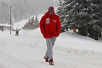 Petter Northug walk in the Route du Col de la Croix-Fry.