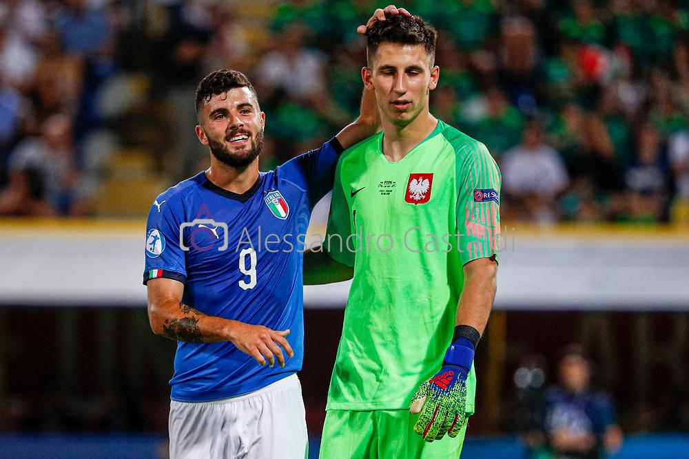 """Foto Alessandro Castaldi<br /> 19/06/2019 Bologna (Italia)<br /> Sport - Italia - Pologna - UEFA Campionati Europei Under-21 2019 - Stadio """"Renato Dall'Ara""""<br /> Nella foto: CUTRONE PATRICK (ITALY) E GRABARA KAMIL (POLAND)<br /> <br /> Photo Alessandro Castaldi<br /> June 16, 2019 Bologna (Italy)<br /> Sport Soccer<br /> Italy vs Poland - UEFA European Under-21 Championship 2019 - """"Renato Dall'Ara"""" Stadium <br /> In the pic: OT09 AND GRABARA KAMIL (POLAND)"""