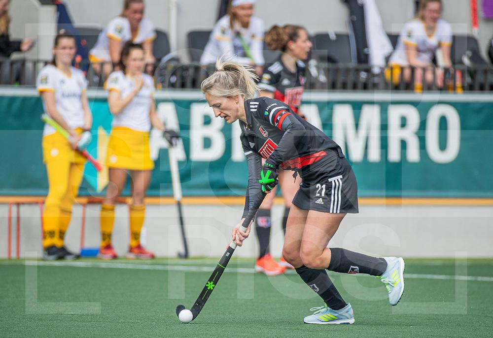 AMSTELVEEN - Lauren Stam (Adam)   tijdens  de hoofdklasse hockey competitiewedstrijd dames, Amsterdam-Den Bosch (0-1)  COPYRIGHT WORLDSPORTPICS KOEN SUYK
