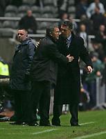 Photo: Andrew Unwin.<br />Newcastle Utd v Aston Villa. The Barclays Premiership.<br />03/12/2005.<br />Newcastle's under-pressure manager, Graeme Souness (L) with Aston Villa's manager, David O'Leary (R).