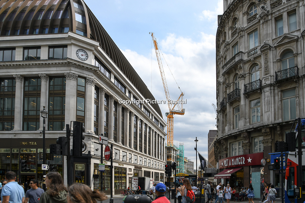 Mcgee crane at Piccadilly circus - Westend, London, UK July 19 2018.