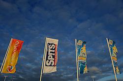 01-06-2012 VOLLEYBAL: EK BEACHVOLLEYBAL: SCHEVENINGEN<br /> Avondzonnetje bij EK Beachvolleybal The Hague beach Stadium, creatief illustratief zon, sunset, vlaggen<br /> ©2012-FotoHoogendoorn.nl