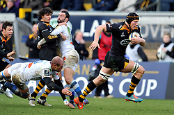 Kearnan Myall of Wasps goes on the attack - Photo mandatory by-line: Patrick Khachfe/JMP - Mobile: 07966 386802 14/12/2014 - SPORT - RUGBY UNION - High Wycombe - Adams Park - Wasps v Castres Olympique - European Rugby Champions Cup