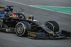 February 19, 2019 - Barcelona, Catalonia, Spain - KEVIN MAGNUSSEN (DEN) from team Haas drives in his in his VF-19 during day two of the Formula One winter testing at Circuit de Catalunya (Credit Image: © Matthias OesterleZUMA Wire)