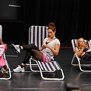 NLD/Amsterdam/20100823 - Perspresentatie musical Legally Blonde, Dapheny Oosterwolde, ?, Cindy Bell