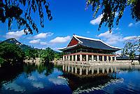 Kyonghoeru Pavilion,  Kyongbokkung Palace, Seoul, South Korea