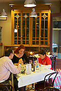 family eating , restaurant Imprenta Casado , Leon spain castile and leon