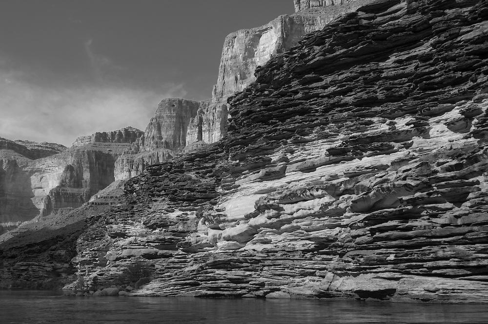 Sandstone & limestone layers (moenkopi, tapeats, kaibab) along the Colorado River, Grand Canyon National Park, Arizona, US