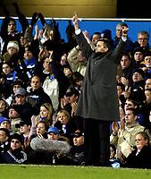 Fotball<br /> Premier League 2004/05<br /> Portsmouth v Chelsea<br /> 28. desember 2004<br /> Foto: Digitalsport<br /> NORWAY ONLY<br /> Jose Mourinho wants to make a change