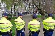 Nederland, Nijmegen, 5-4-2014Demonstratie ter ondersteuning van Geert Wilders en ter veroordeling van de aangifte van burgemeester Bruls, de Nijmeegse wethouders namens de Nijmeegse gemeenteraad. De groep verzamelt zich in het Kronenburgerpark waar van den Bos oproept tot beheersing. Organisator Angelo van den Bos doet aangifte op het politiebureau tegen de burgemeester wegens machtsmisbruik.Foto: Flip Franssen