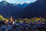 SPAIN, CATALUNYA, PYRENEES Valle de Aran; village of Vilamos