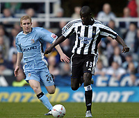 Fotball<br /> FA-cup 2005<br /> Newcastle v Coventry<br /> 29. januar 2005<br /> Foto: Digitalsport<br /> NORWAY ONLY<br /> Amdy Faye (R) makes an excellent debut for Newcastle