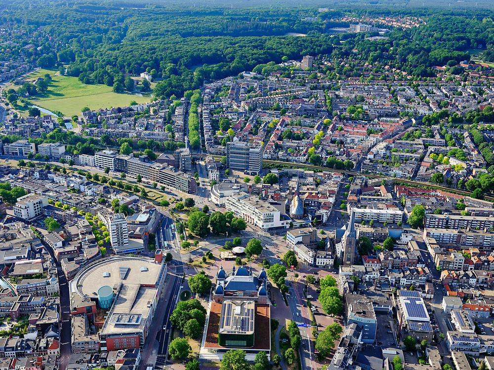 Nederland, Gelderland, Gemeente Arnhem, 14–05-2020; centrum Arnhem, Velperplein, met Musis Sacrum and concert  gebouw Musis Arnhem onder in beeld.<br /> Center of Arnhem, Velperplein, with Musis Sacrum and concert hall Musis Arnhem at the bottom of the picture.<br /> <br /> luchtfoto (toeslag op standaard tarieven);<br /> aerial photo (additional fee required)<br /> copyright © 2020 foto/photo Siebe Swart