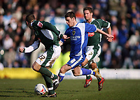 Jason Koumas in centre attackes the Plymouth defence<br /> <br /> Photo: Richard Eaton.<br /> <br /> Plymouth Argyle v Cardiff City. Coca Cola Championship. 18/03/2006.