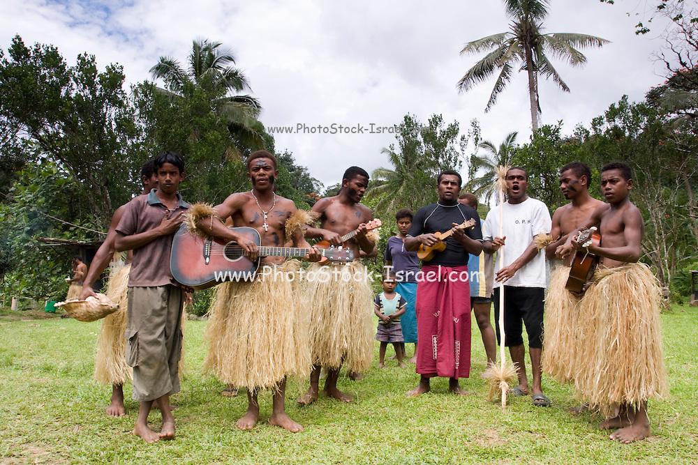 Traditional Fijian dancers