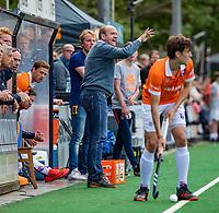 BLOEMENDAAL - coach Michel van den Heuvel (Bldaal)   tijdens finale van de play-offs om de Nederlandse titel, Bloemendaal tegen titelhouder Kampong (1-2). Door de overwinning van Kampong volgt er zondag een derde wedstrijd.   COPYRIGHT KOEN SUYK