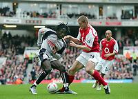 Fotball<br /> FA-cup 2005<br /> 3. runde<br /> Arsenal v Stoke City<br /> 9. januar 2005<br /> Foto: Digitalsport<br /> NORWAY ONLY<br /> Ade Akinbiyi (Stoke) Philippe Senderos (Arsenal)