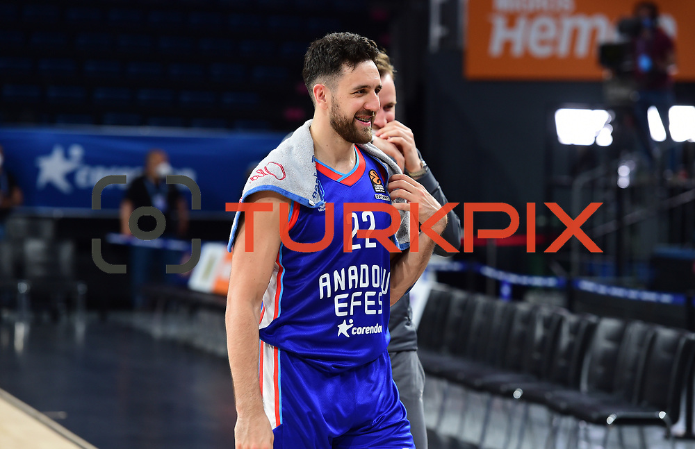 Anadolu Efes's and Real Madrid's during their Turkish Airlines Euroleague Basketball 2020-2021 PlayOffs Game 2 match Anadolu Efes between Real Madrid at the Sinan Erdem Sports Hall on April 22, 2021, in Istanbul, Turkey. Photo by Aykut AKICI/TURKPIX