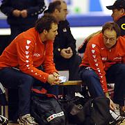 NLD/Heerenveen/20060122 - WK Sprint 2006, 2de 1000 meter dames, Jacques Orie in gesprek met