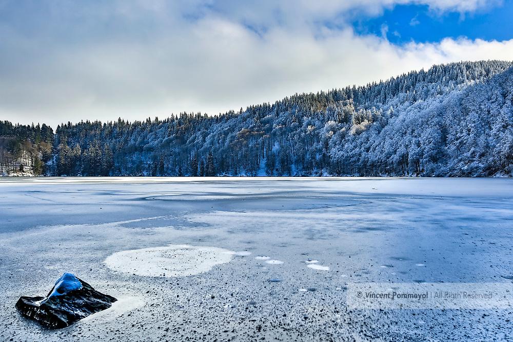 HDRI (High dynamic range imaging)Winter and Nature, Pavin lake, Auvergne, France.